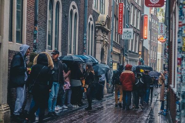 Großstadt bei Regen